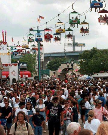 marcus amphitheater summerfest milwaukee wi. Summerfest is quickly