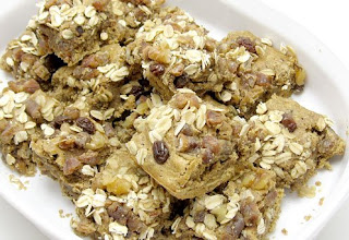 date and oat bars, adapted from Karen Barkie's Sweet and Sugarfree