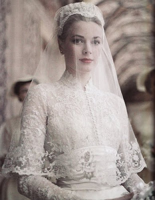 grace kelly wedding pictures. Grace Kelly on her wedding day