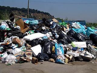 Ridurre e riciclare prima di tutto: sui rifiuti basta slogan - Greenreport