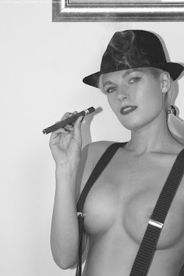cigar girls, cigars, premium cigars, cigar-girls