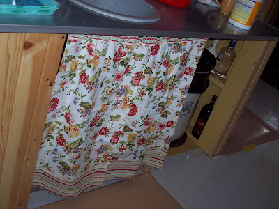 Patsy's Middle of NoWhere: Farmhouse kitchen sink curtains