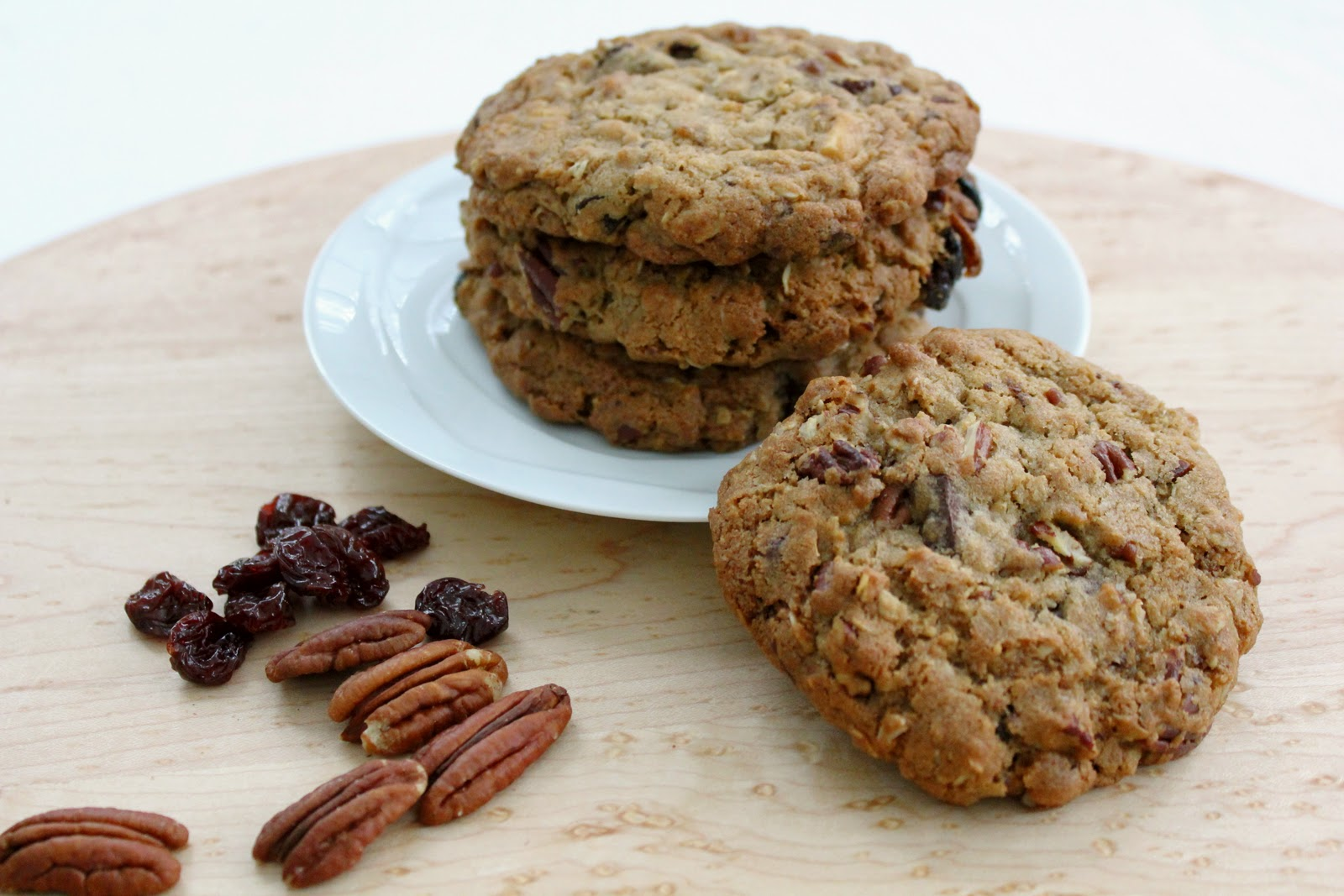 Oatmeal Cookies with Chocolate Chunks, Pecans, and Dried Cherries ...