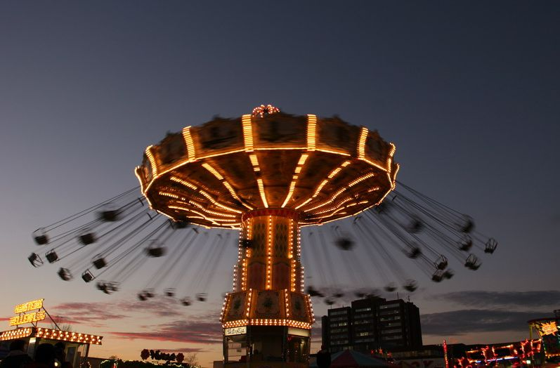 Flying dutchman top 10 lunapark kl es for Puerta 7 luna park