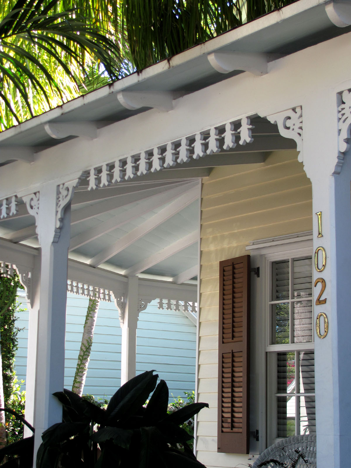 Key west vacation gypsy gingerbread scroll stroll in old for Classic house keys samplephonics
