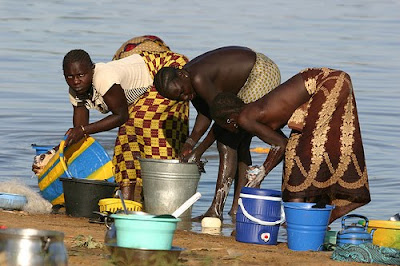 http://1.bp.blogspot.com/_o5e4ezlAlqY/SqALLMcSAVI/AAAAAAAADSA/OKGx1zey1gs/s400/mujeres_africanas.jpg