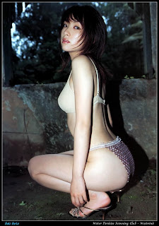 perek nungging Model Telanjang