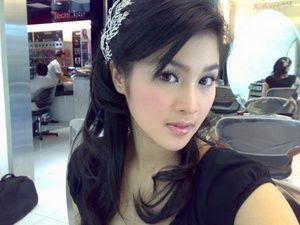 sandra dewi Gadis Cantik Hot