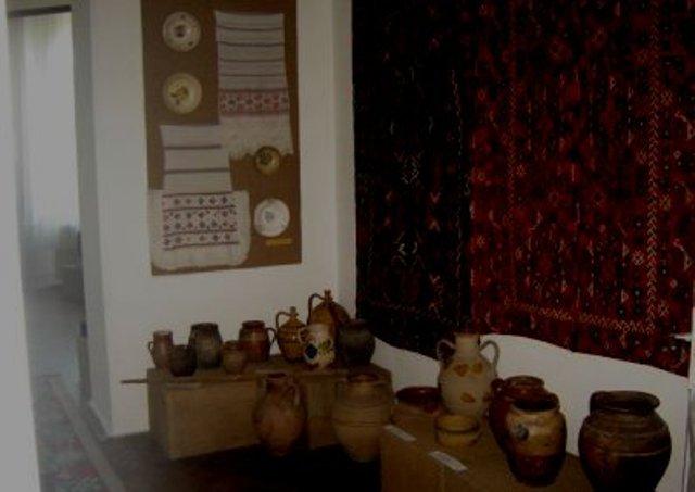 Sala muzeu -  diverse obiecte