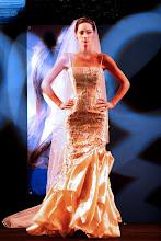 Vestido de noiva dourados