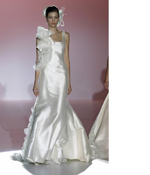 Flores nos vestidos de noiva