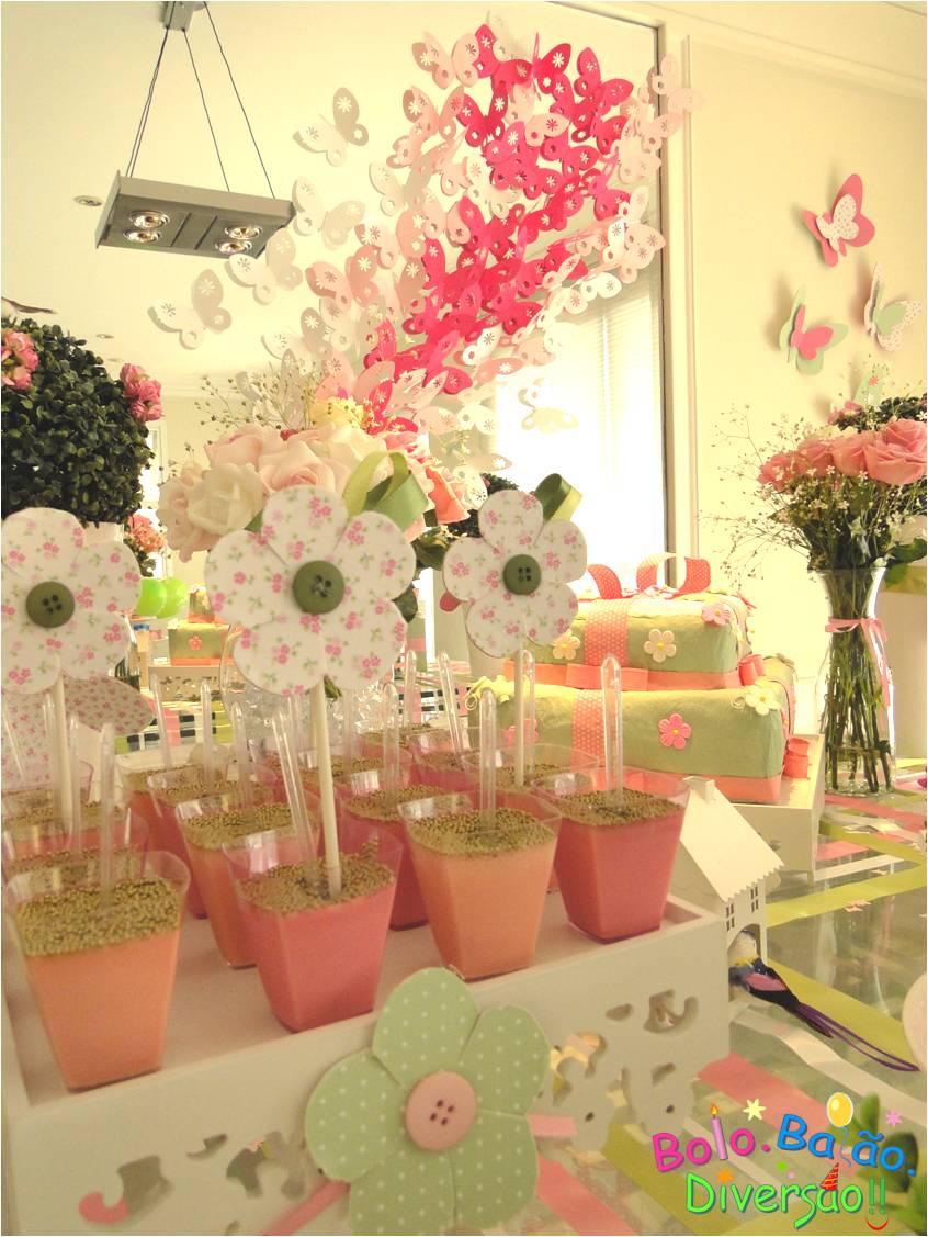 ideias de decoracao tema jardim : ideias de decoracao tema jardim:Um Céu LiLás: Lá vem o bolo