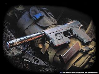 Arme de foc cu gaze fierbinţi formate de explozie,