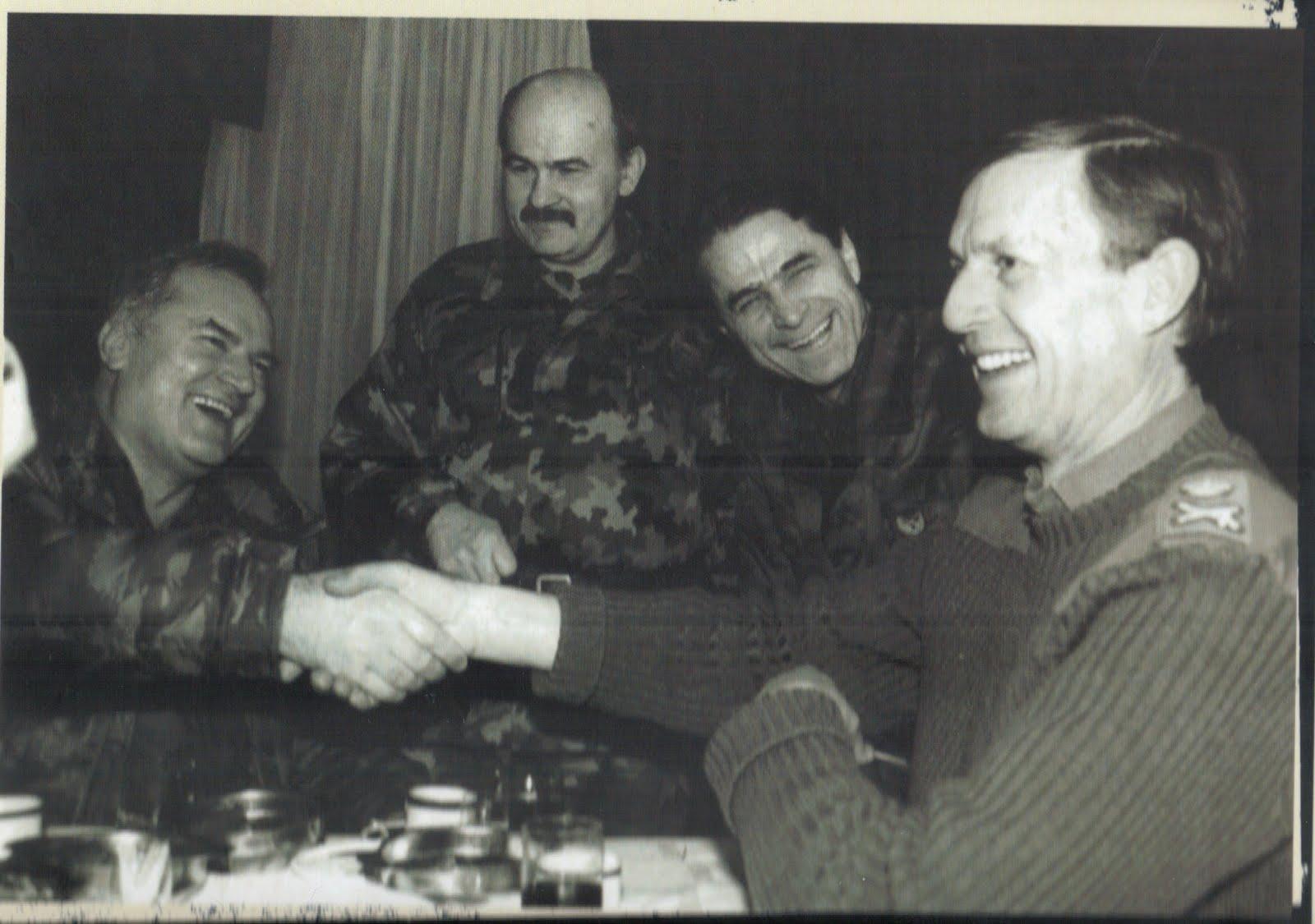 Image result for ratko mladic u srebrenici fotos