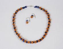 Collar perlas de cobre intercaladas por sodolitas