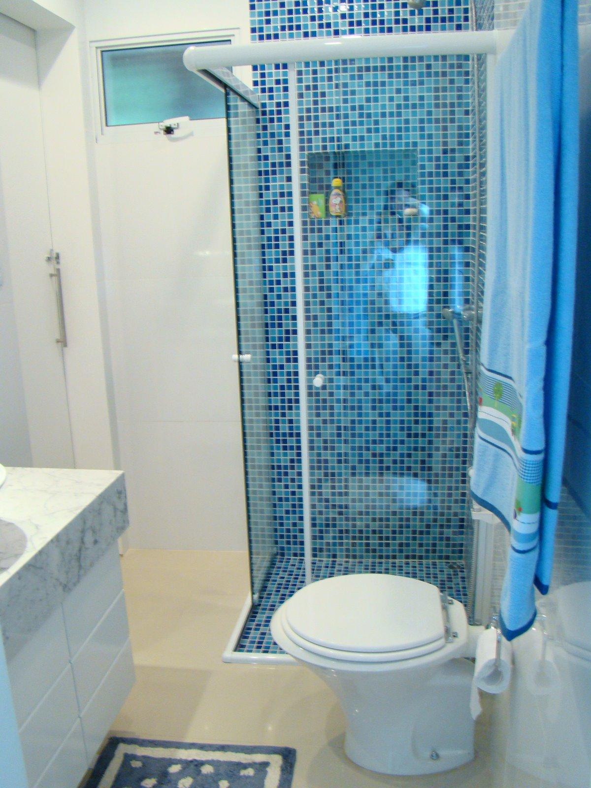 Casa Da Clau: Mais pastilhas no banheiro  #16426E 1200 1600