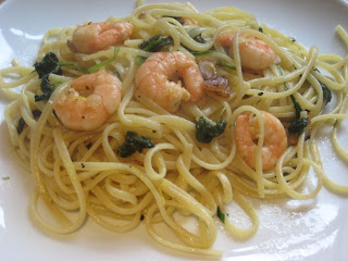 Singapore Spinach Picture on Linguine With Garlic  Prawns And Spinach