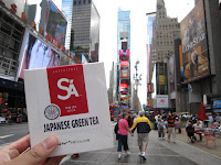 Sugimoto America Japanese Green Tea spotted in New York City with our special red Hojicha tea!