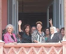 Las mujeres líderes del continente en el balcón del general