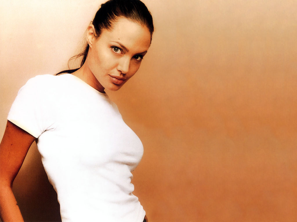 http://1.bp.blogspot.com/_oFB_qmHZhMM/TU1Y6z9oIOI/AAAAAAAAAKE/e0JsYJQ_AMI/s1600/Angelina%2BJOlie%2BSexy%2BBreast%2BPictures%2Band%2BWallpapers.jpg