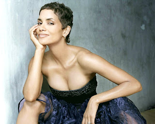 Beauty - Halle Berry
