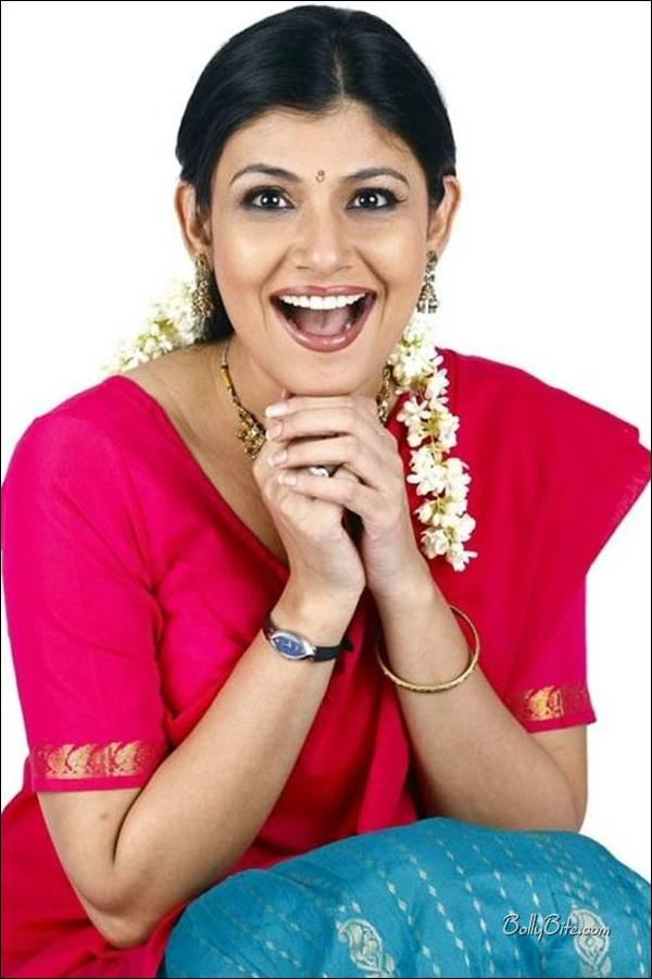 , Vaidehi Photoshoot in Saree