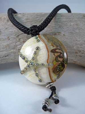 Lampwork bead by Jane Perala