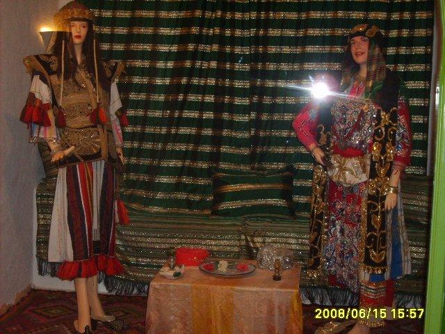 عادات تونس التقليدية من متحف جربة Vetements-traditionnel%2B(3)