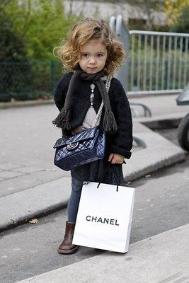 [blue-chanel-classic-bag.jpg]