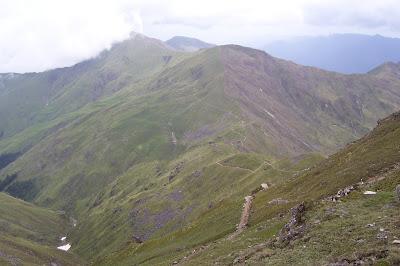 Roopkund Trek Bedni Bugyal to Kaluvinayak