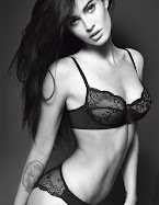 Fotos Megan Fox em lingerie para a Armani