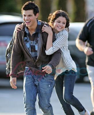 Taylor Lautner - Selena Gomez
