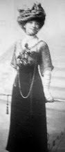 Su Madre: Leonor Acevedo
