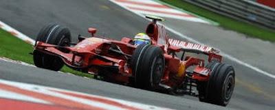 [Felipe Massa acelera en Spa - foto felipemassa.com]