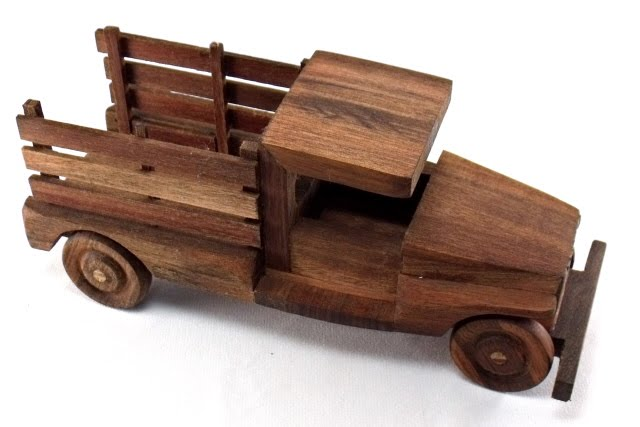 Wooden Model Builder: My very first wooden truck