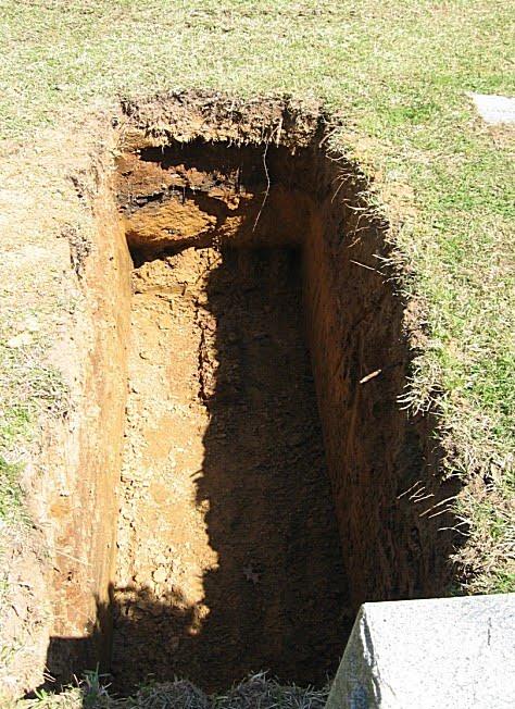 [Image: newly+dug+grave.jpg]