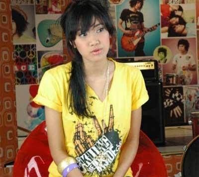 Cewek Gokil, Cewek Lowayu, Mengapa cowok suka nyakitin cewek, Info Daftar Cewek Show Di Ym Id Cewek Yahoo Messenger, Cari Id Yahoo Cewek, Alamat Yahoo Messenger Cewek Indonesia