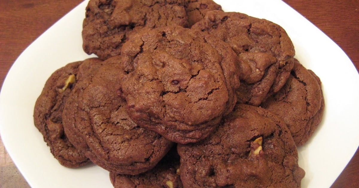 The Well-Fed Newlyweds: Chocolate Chocolate Chip Cookies