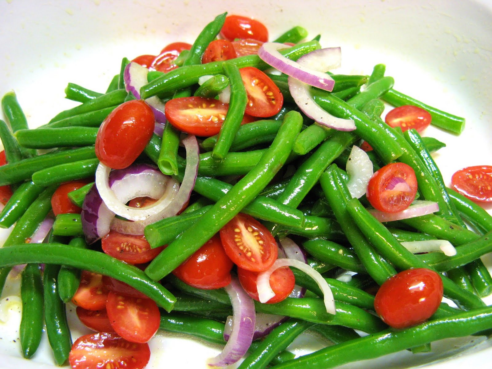 The Well-Fed Newlyweds: Green Bean Salad
