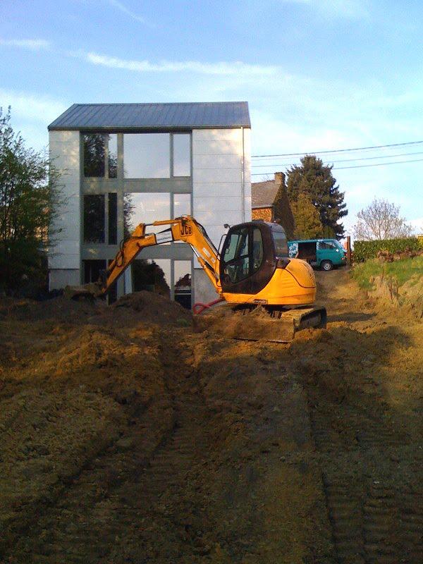 Maison fabian remise en place des terres for Chape lissee au quartz