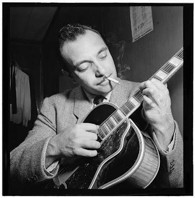 Django nos EUA, em 1946. Crédito: William Gottlieb/DownBeat