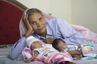 oldestmum  05 Nenek 70 Tahun Lahirkan Bayi Kembar