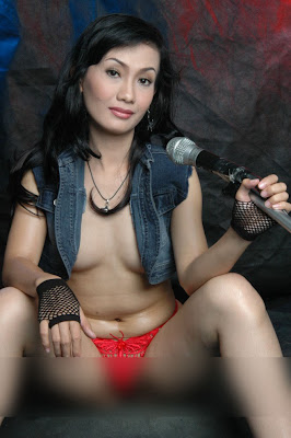 indonesia nude pic http://sexolounge.blogspot.com/2011/07/ayu-oktasari-top-indon-model-leaked.html