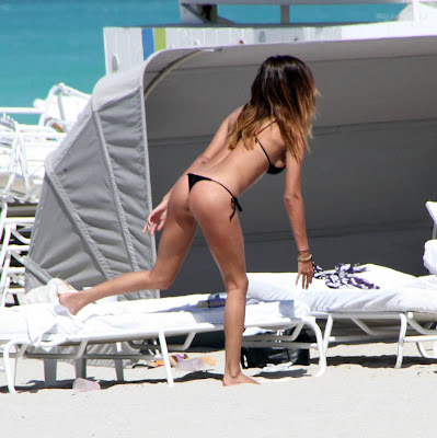Belen Rodriguez Candid Thong Bikini Ass Pictures From Miami