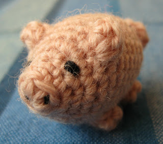 free crochet patterns: little lucky pig
