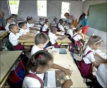SUBEN SUELDOS EN EL SECTOR EDUCATIVO CUBANO
