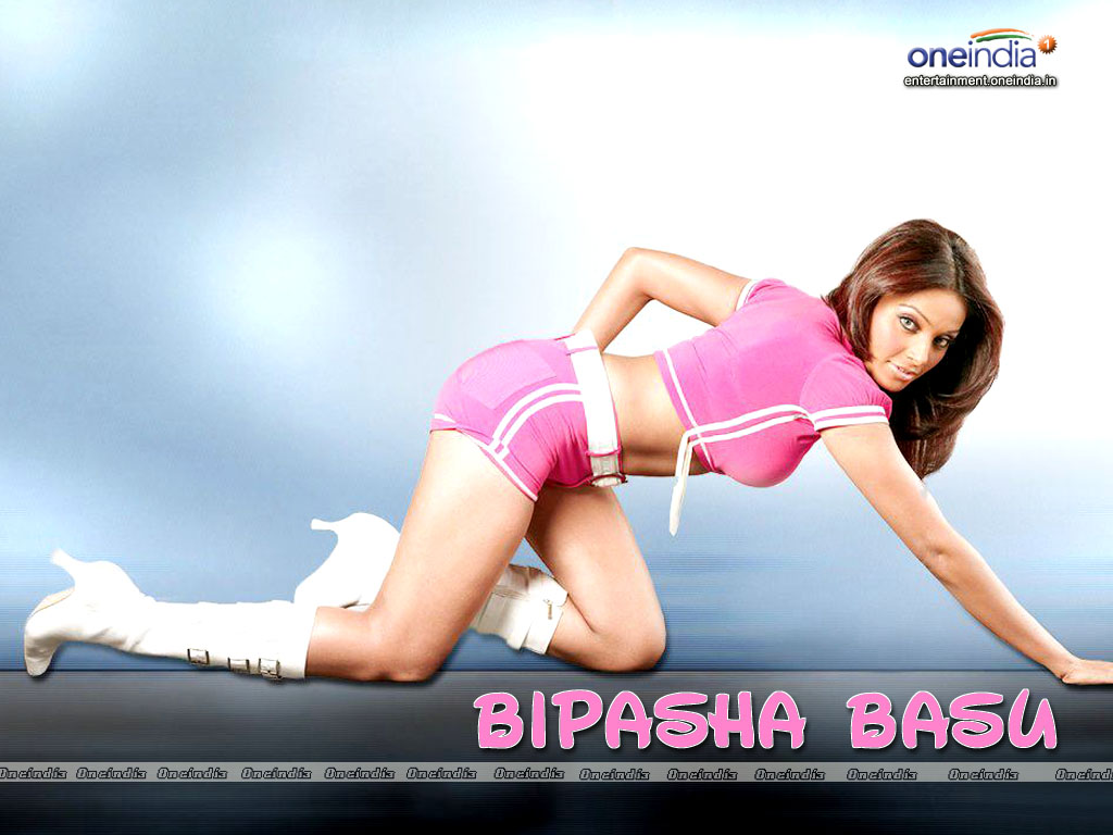bipasha butts hot pics
