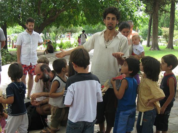 Taller de construccion de juguetes enVilla de Las Rosas (Cordoba)
