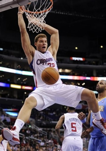 Blake Griffin dunks the ball