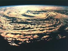 CHOPRA El mundo material es un subconjunto del mundo cuántico.